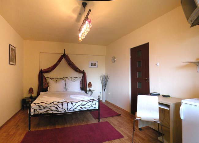 Last minute bucharest apartments romania cheap for Low cost apartments amsterdam